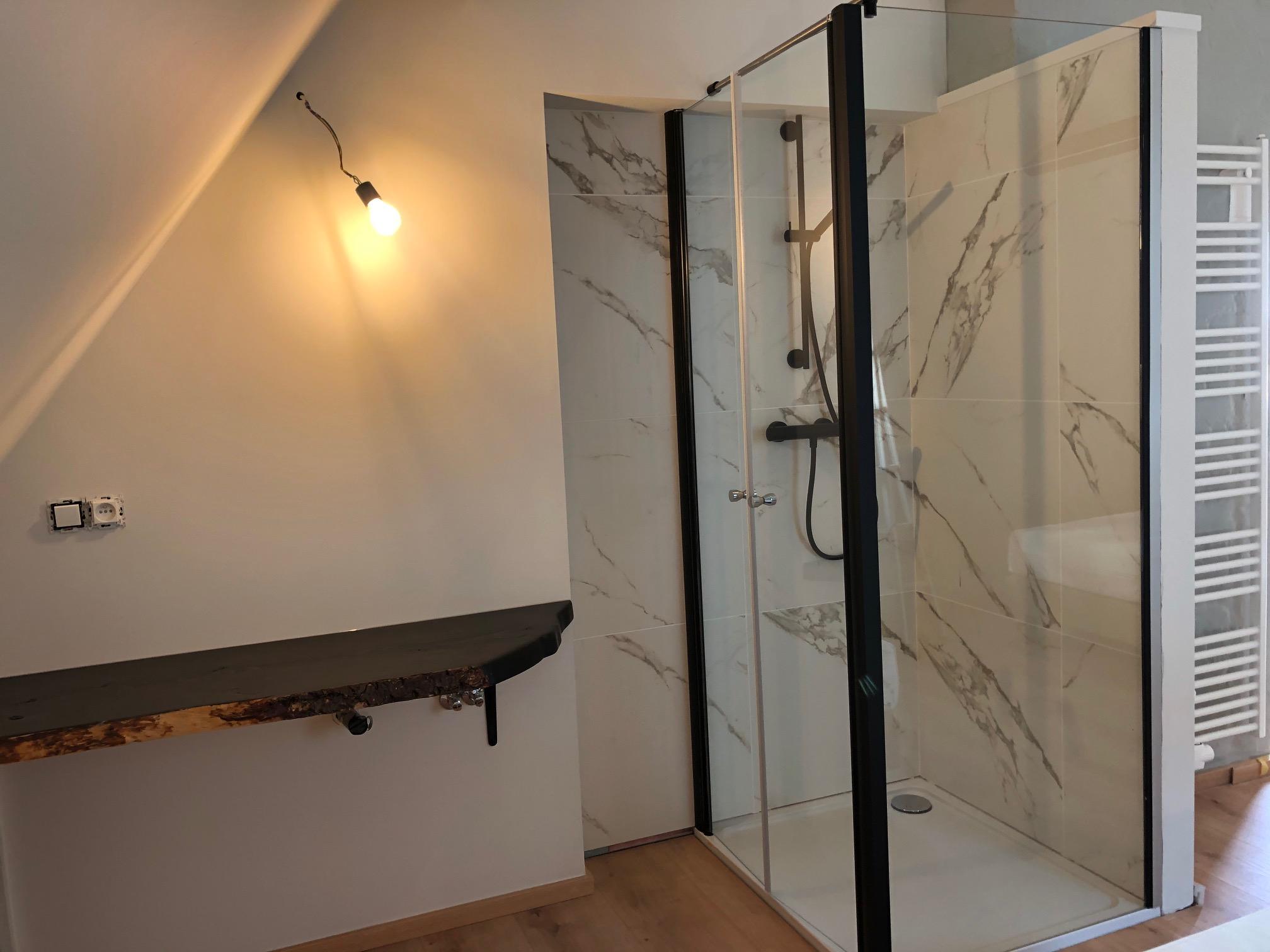 Vakantie aan de zee Zeeparel XL badkamer